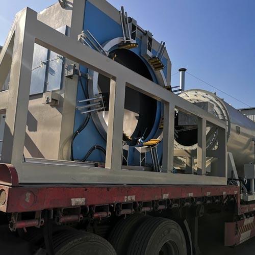 PE-150挤出保温管设备发往新疆