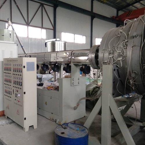 1054-1860PE管材设备试车成功